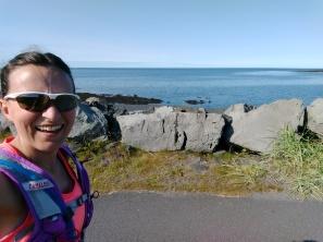 Enjoying the glorious Reykjavic coastline with 10km to go